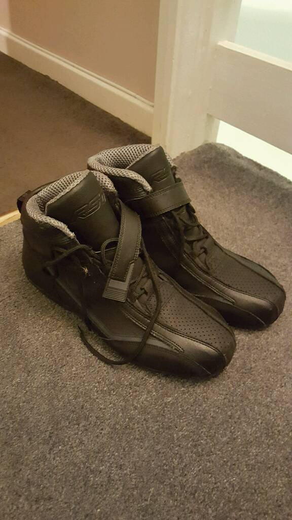 Size 9 ankle high motorbike boots RST