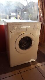 Indesit W123 washing machine, fully working, very clean, new belt just fitted