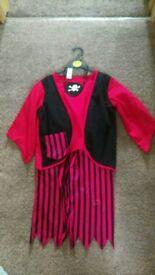 Pirate costume, age 5-7