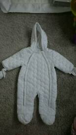 Various boys/girls/unisex jacjets, pramsuits and snowsuits. Individually priced.