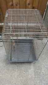 solid metal bird cage in great condition
