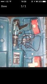 Makita cordless 18v hammer drill TWO BATTERIES WITH CHARGER