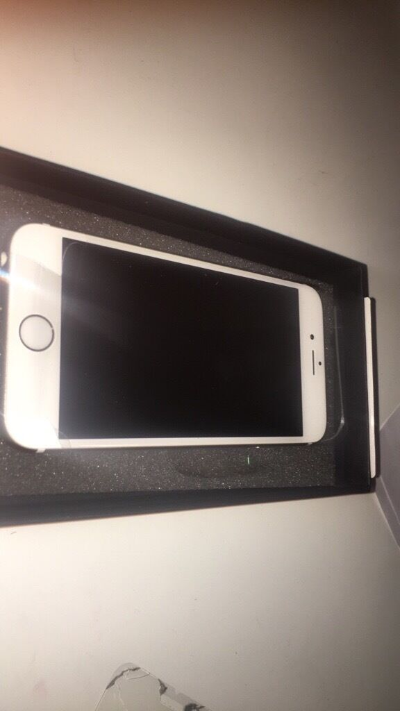 iPhone 6s 16GB very good conditionin Northampton, NorthamptonshireGumtree - iPhone 6s 16GBb Gold O2 network its very good condition. Had it for 3months Includes; EarPods, usb cable, usb power adapter 3G/4G