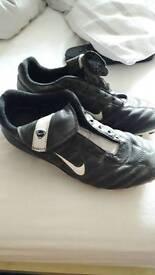 classic nike pro tiempo football boots size 7