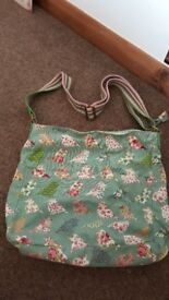 Bird print shoulder bag