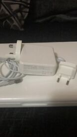 Apple MacBook 2007 model / update version 10.7.5 / brand new charger included (not Apple)