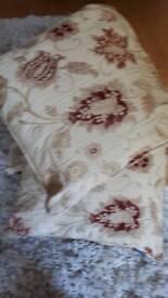 4 Paoletti cushions