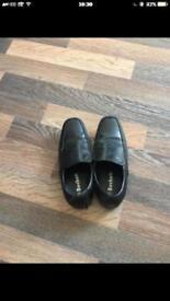 Boys shoes 👞 black size-3