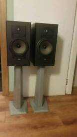 Celestion 7 speakers with stand
