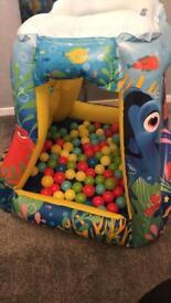 Inflatable Nemo ball pit