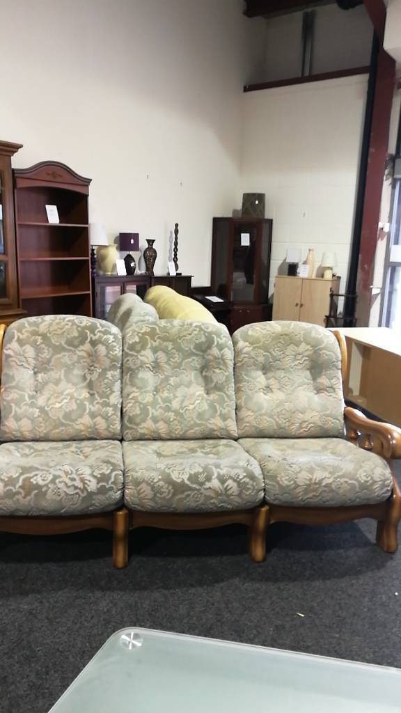 Wood framed sofa and chairsin Sunderland, Tyne and WearGumtree - Wood framed sofa and chairs good condition. Please call into our furniture outlet store in ryhope to view this item