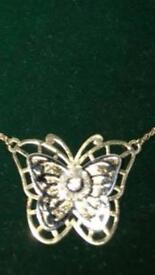 9crt yellow gold butterfly necklace