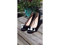 Monsoon heels, black and cream size 5 unworn