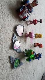 Paw patrol figures and badges