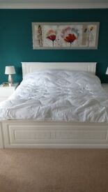 KING SIZE BED FRAME AND MATTRESS 200 X 180 CM
