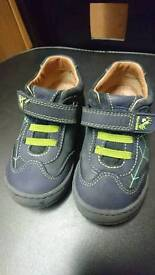 Todller shoes start - rite