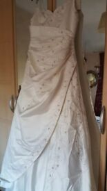 Trudi Lee Ivory Wedding Dress
