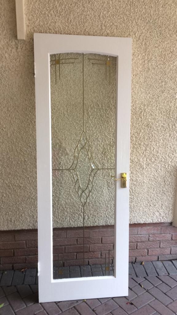 2 internal glass doors