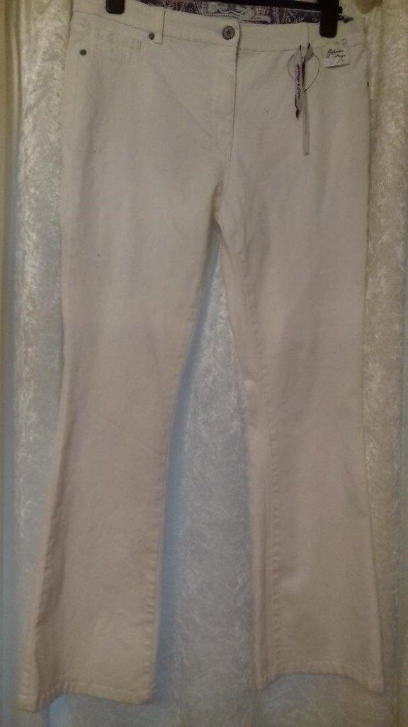 LARGE SELECTION OF EITHER NEW OR GREAT CONDITION LADIES CLOTHES