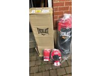 Everlast 3ft boxing bad set. Brand new. With gloves, pads, straps and hanging fittings.