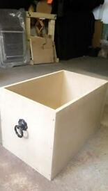 Storage box/toy box