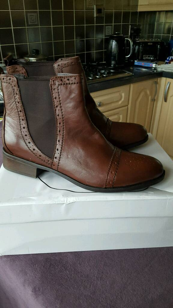 Ladies brown ankle boots