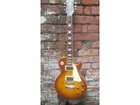 Gibson les paul model epiphone limite edition 20+ years old model number L6120010 case stand an amps