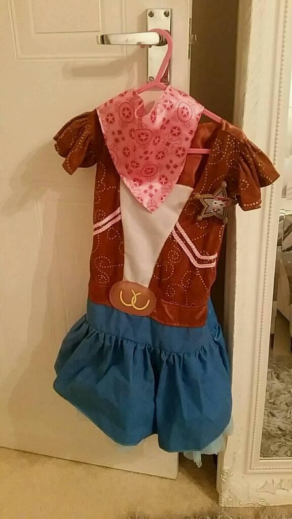 Sheriff callie dress up age 3-4
