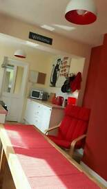 Double room to rent in fab house
