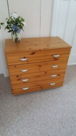 Chest of 4 drawers in very good condition