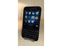 Blackberry Q5 - Unlocked - Good Condition + Charger