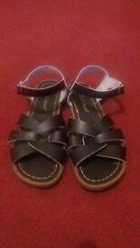 Original SALT-WATER sandals, black. Waterproof
