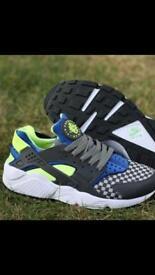 Used Nike Huarache trainers size 8