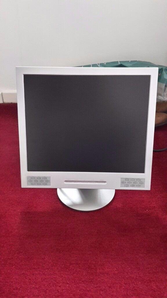 "19"" flat screen monitor"