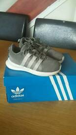 Adidas kids trainers size 7