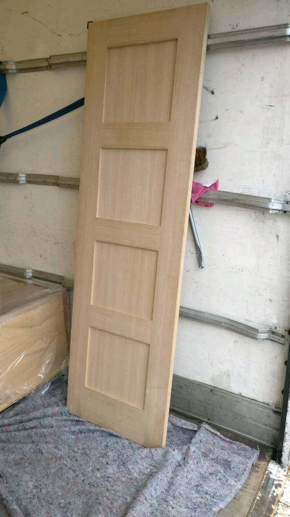 Howdens Internal Oak Veneer Door In Loughborough Leicestershire