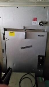 Commercial cooler door - for walk in refrigerator