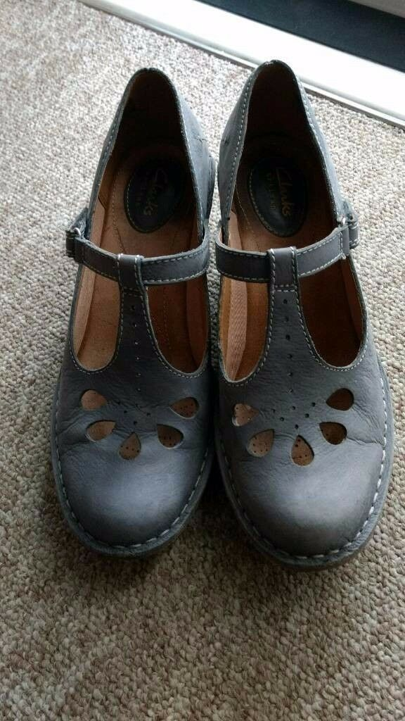 Clarks Artisan shoes blue grey leather mary janes wedge shoes 7