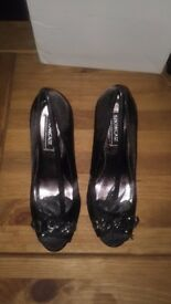 DOROTHY PERKINS BLACK SIZE 6 OPENED TOE HIGH HEELS