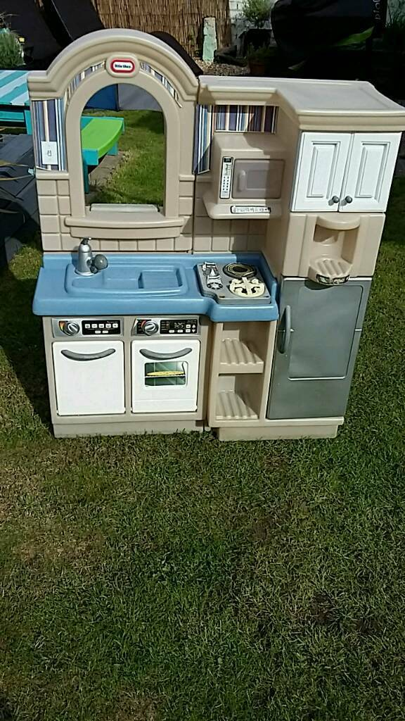 Little Tikes Outdoor/Indoor Cook and Grill Kitchen/BBQ ...