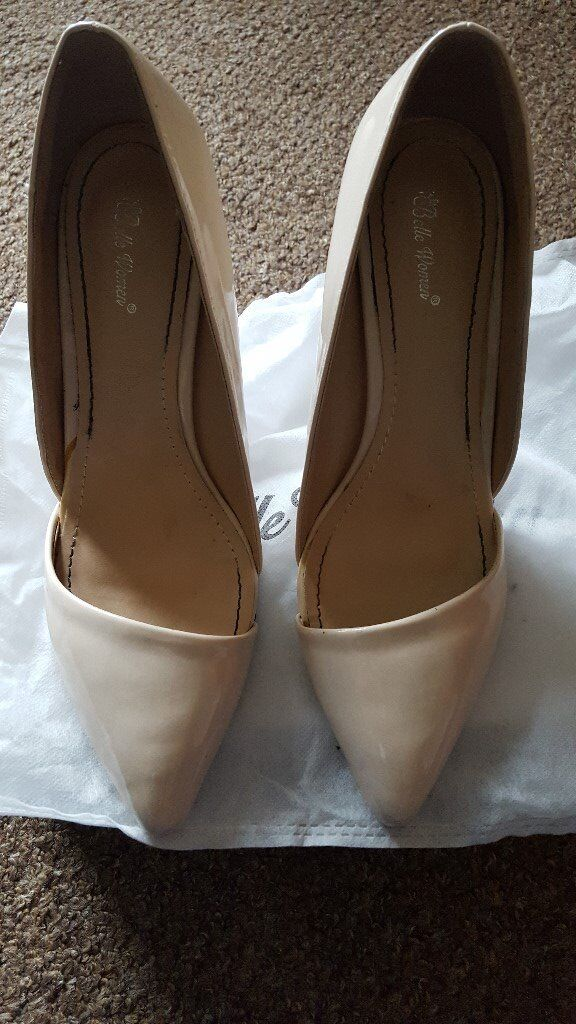 Belle Woman Size 6 Shoesin Rotherham, South YorkshireGumtree - Belle woman size 6 beige shoes, still in box and hardly worn at all. Message any questions