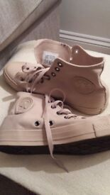 Mens hightop Converse Allstar. Beige UK size 9. Never worn as too small!