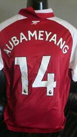 Aubameyang hand signed Arsenal shirt 17-18 with Coa
