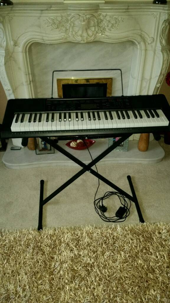 Full Size Casio Electric Keyboard LK-160AD self teaching auto prompt keyboard lights