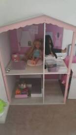 Designa friend dolls house and accessories