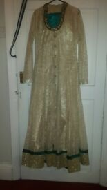 nearly new asian suit.good quality size small medium 3piece suit