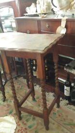 SOLID OAK TABLE. ORIGINAL/ ANTIQUE - PIECE OF FURNITURE.