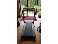 Reebok Treadmill RT1000 , good condition , with incline setting.