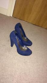 Women's blue suede heels Size 5