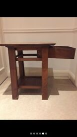 2 wood side tables